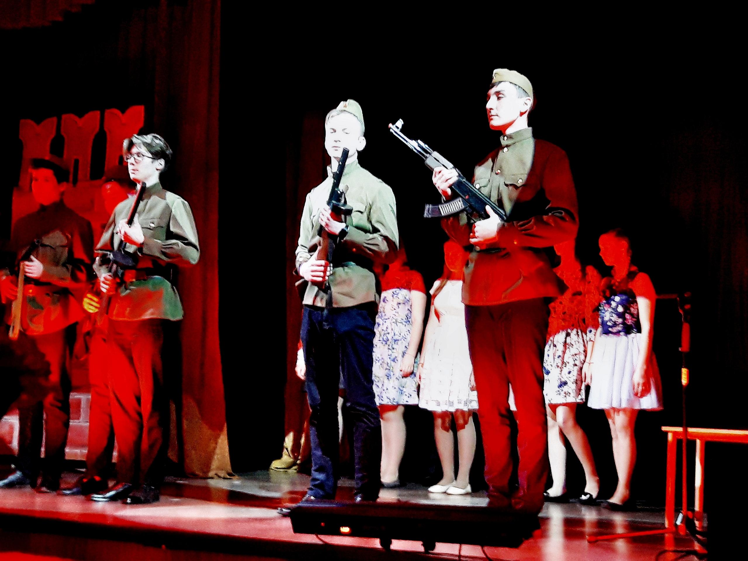 Чествование ветеранов войны в школе №1516 Москвы